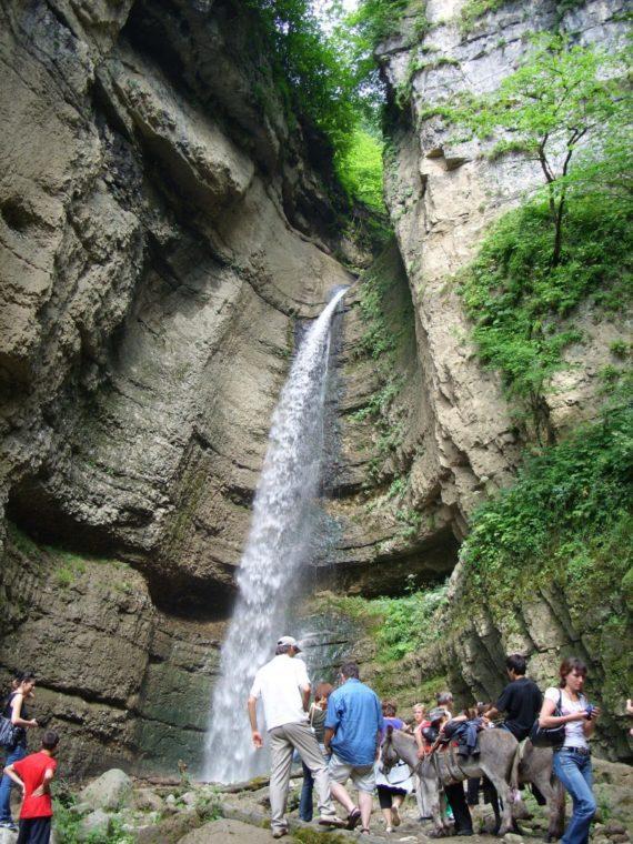 где находятся Чегемские водопады