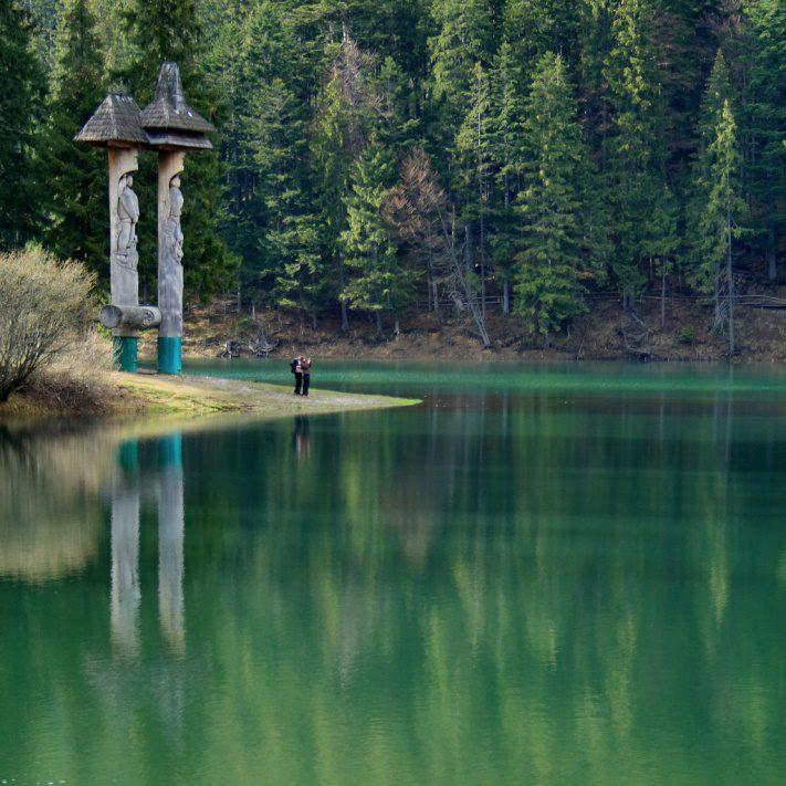 озеро синевир фигуры Синь и Вира