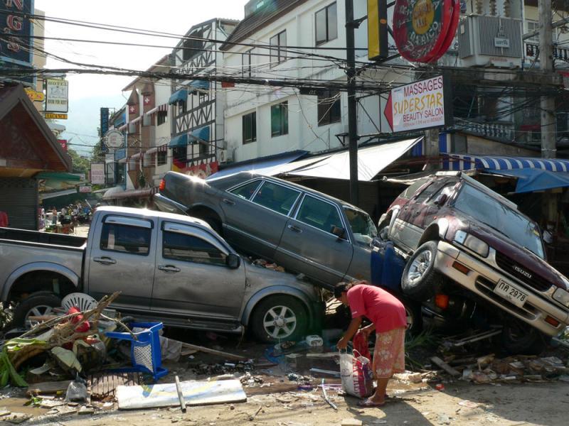 Цунами в Тайланде 2004 видео