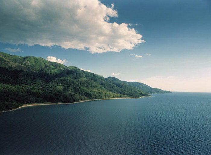 озеро Танганьика в Африке